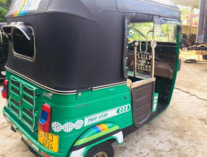 BAJAJ 4STROKE THREE WHEELER FOR SALE IN KADURUWELA